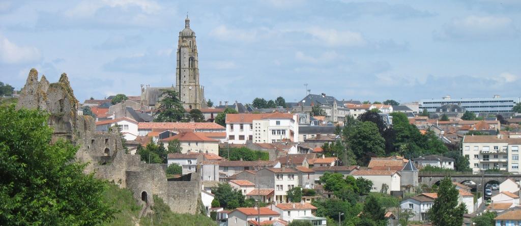 Venir bressuire site officiel de la ville de bressuire for Piscine de bressuire